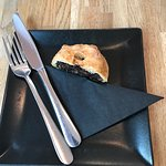Self control by having only half of the wonderful Eccles Cakes available in The Black Apollo - h