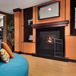 Fireplace of Fairfield Inn & Suites Minneapolis Bloomington/Mall of America