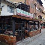 Opera Pizzería y Restaurante Medellin, tranquilo y acogedor para disfrutar gratos momentos