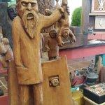 1000 obras en 60 tipos de maderas diferentes
