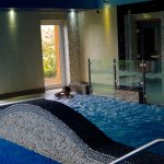 Relaxing hydrotherapy pool