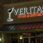 Photo de Veritas Wine & Bistro