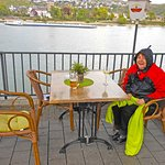 The beer garden borders the Rhein and offers you great views