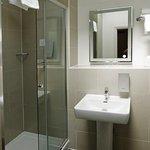 Large shower cubicle, newly refurbished