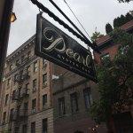 Foto de Pearl Oyster Bar