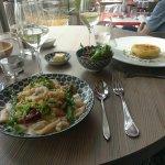Encornets et son risotto au chorizo accompagnés de petits légumes et son jus une tuerie