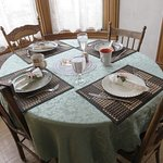 Private breakfast dining in a nook in the parlor