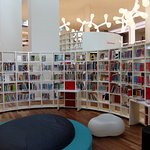 Foto di Biblioteca centrale (Openbare Bibliotheek)