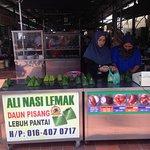 Ali Nasi Lemak Selling Counter