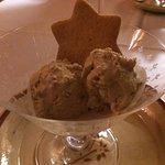 Riquísimo helado de higo artesanal, como todo en la casa.