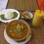 Good price and taste for Khmer Curry and 3 course cooking classes