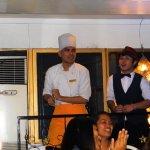 Photo de The Singing Cooks & Waiters