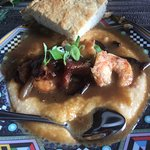 The most beautiful B&B. Breakfast was delicious especially the shrimp & grits.