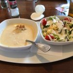 The She-Crab-Soup and side salad.