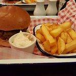 burger n chips