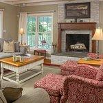 Wapanachee Cottage - Living Room