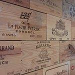 Bordeaux wine case ends