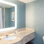 Bath Room  - Wingate by Wyndham Orlando Airport