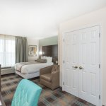 King Suite - Wingate by Wyndham Orlando Airport