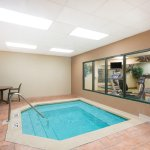 In door hot-tub - Wingate by Wyndham Orlando Airport
