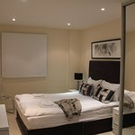 Chancery Lane Apartments resmi