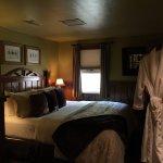 Hillside One Cottage master bedroom with king bed