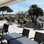 Terrasse face à la mer, petit déjeuner et bains de soleil, Fin de réalisation le 16 Mai 2017.