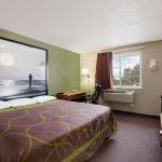 Standard 1 King Bed