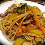 Noodles thai con verduras wok y puntas de Ibérico