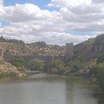 Bridge viewed from puente de Azarquiel