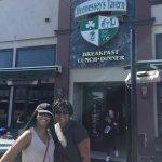 Foto de Hennessey's Tavern