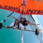 Photo de Hang Gliding Interlaken