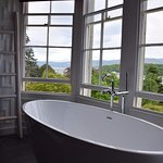 Amazing bath with a view in the bay window