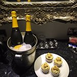 The prosecco and cupcakes brought to our room by the proprietor!