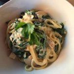 Linguine alfredo with chicken and spinach
