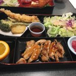 B Bento (Sashimi, Shrimp tempura and chicken teriyaki)