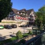 Sommerlicher Maiabend: ganz tolle, idyllische Stimmung draußen auf der Terrasse