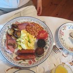 the irelish breakfast with scrabbled eggs