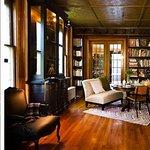 Burlington VT Pet Friendly Hotel - Best Rooms. Best Rates. Made INN Vermont B&B, Burlington's B