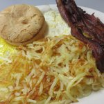 Eggs, bacon and hash browns