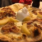 Photo of Matthew's Pizza