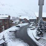 La vue de notre balcon après une nuit de neige inattendue pour fin avril !!