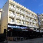 Ξενοδοχείο Ντίνας