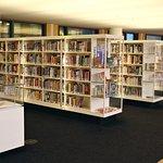 Photo de Bibliothèque centrale (Openbare Bibliotheek)