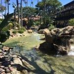 Foto de Embassy Suites by Hilton Mandalay Beach Resort