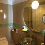 Photo de Lakeshore Hotel & Apartments