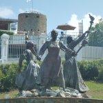 Three Queens Statue