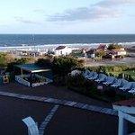 Todas los departamentos tienen vista al mar y cuenta con servicio de playa.