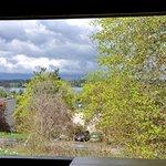 Kellerhaus - Lovely View Out Back Window