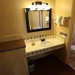 King reg room bath